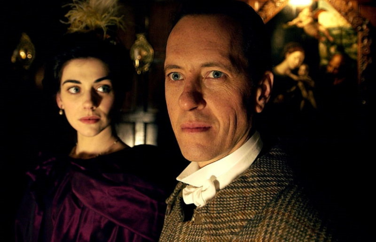 Richard E. Grant as Jack Stapleton along with sister Beryl (Neve McIntosh) in The Hound of the Baskervilles (2002)