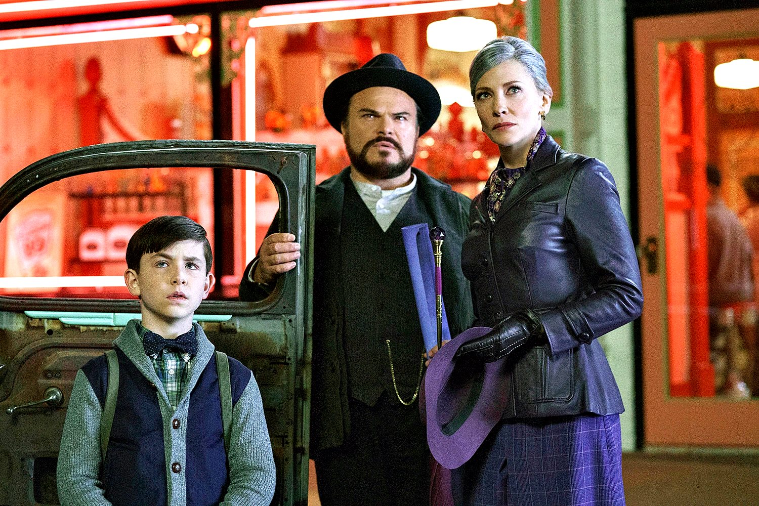 (l to r) Lewis Barnavelt (Owen Vaccaro), Uncle Jonathan (Jack Black) and Florence Zimmerman (Cate Blanchett) in The House With a Clock in Its Walls (2018)