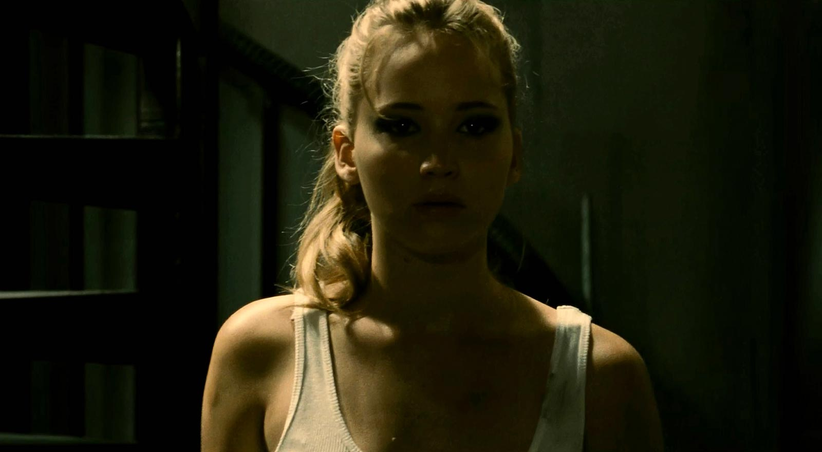 Jennifer Lawrence investigates strange goings-on next door in The House at the End of the Street (2012)
