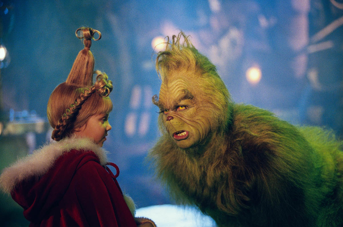 Jim Carrey as The Grinch and Cindy Lou Who (Taylor Momsen) in How the Grinch Stole Christmas (2000)