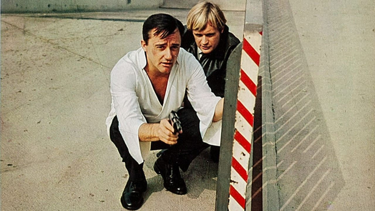 U.N.C.L.E. agents Napoleon Solo (Robert Vaughn) and Ilya Kuryakin (David McCallum) in How to Steal the World (1968)