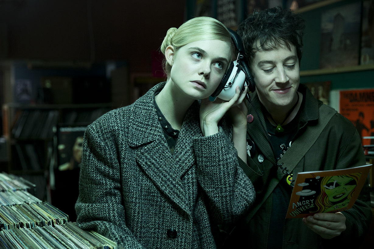 Elle Fanning, Alex Sharp in How to Talk to Girls At Parties (2017)