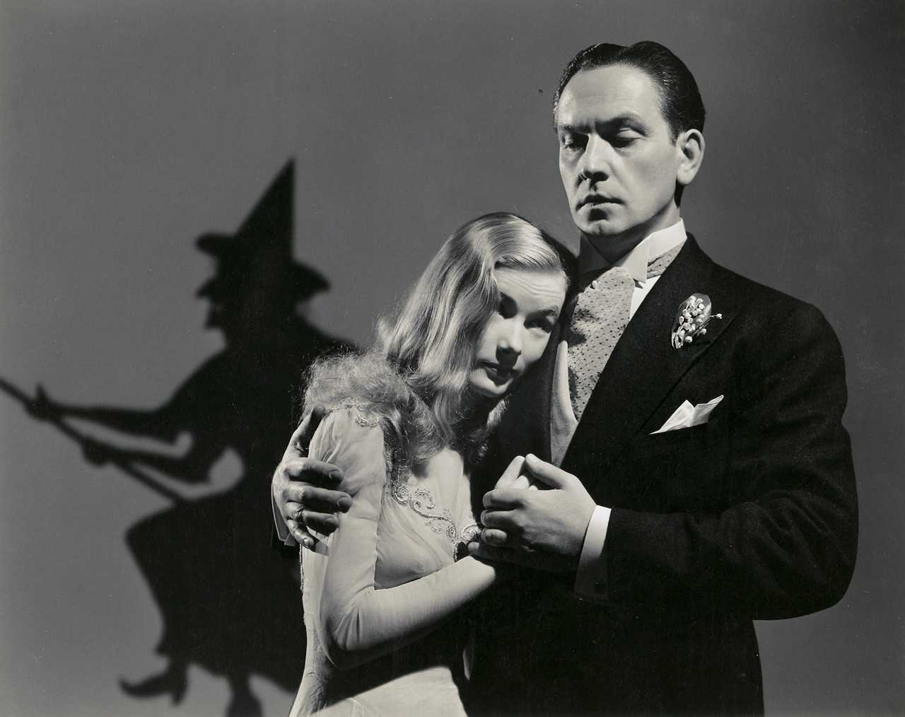 Witch Veronica Lake woos Frederic March in I Married a Witch (1942)
