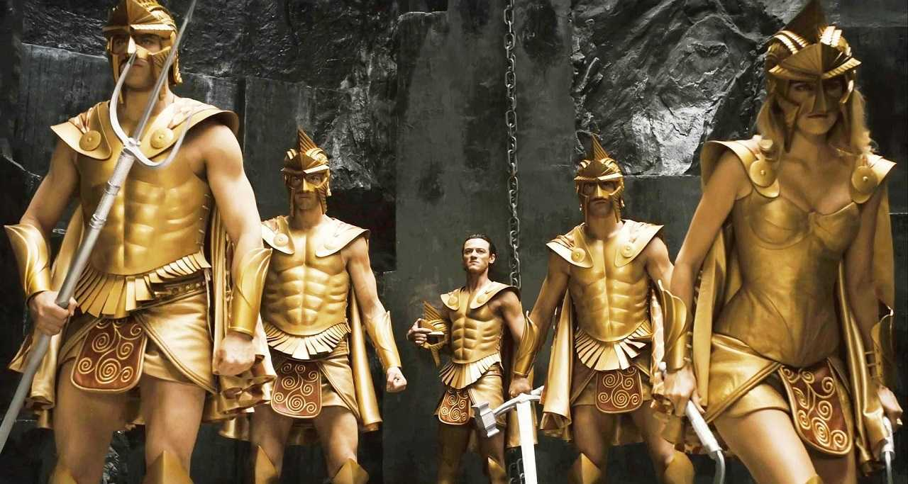 Zeus (Luke Evans) and the gods prepare to go to war in Immortals (2011)
