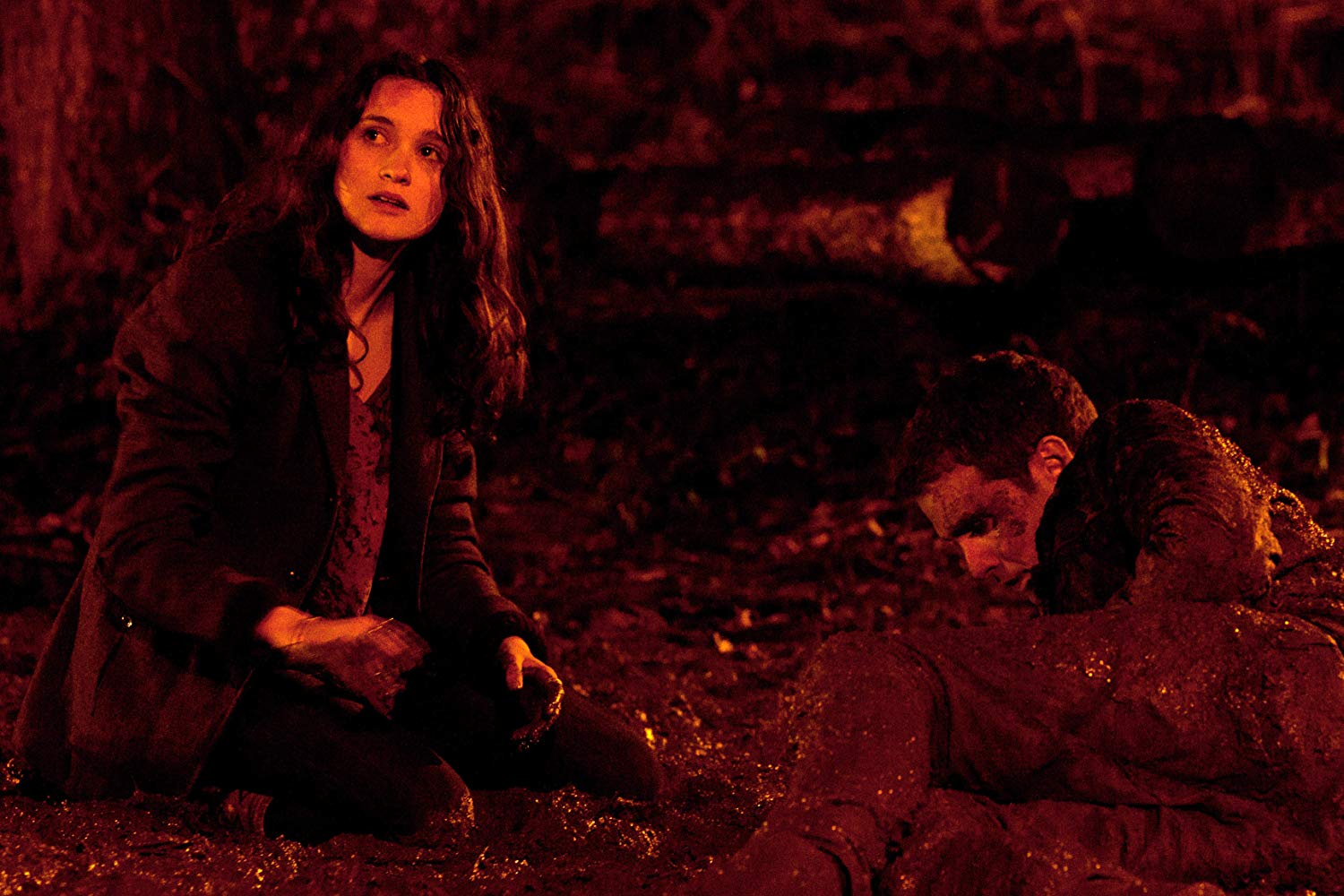 Alice Englert and Iain De Caestecker attacked by mysterious figures in In Fear (2013)