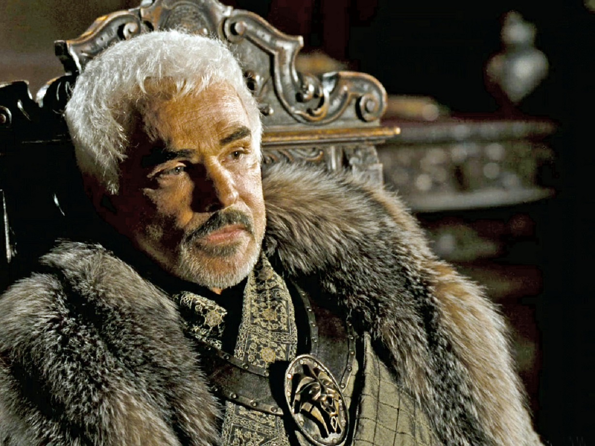 Burt Reynolds as the king in In the Name of the King: A Dungeon Siege Tale (2007)