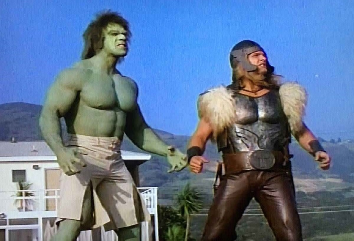 The first Marvel on-screen team-up - (l to r) The Hulk (Lou Ferrigno) meets Thor (Eric Kramer) in The Incredible Hulk Returns (1988)