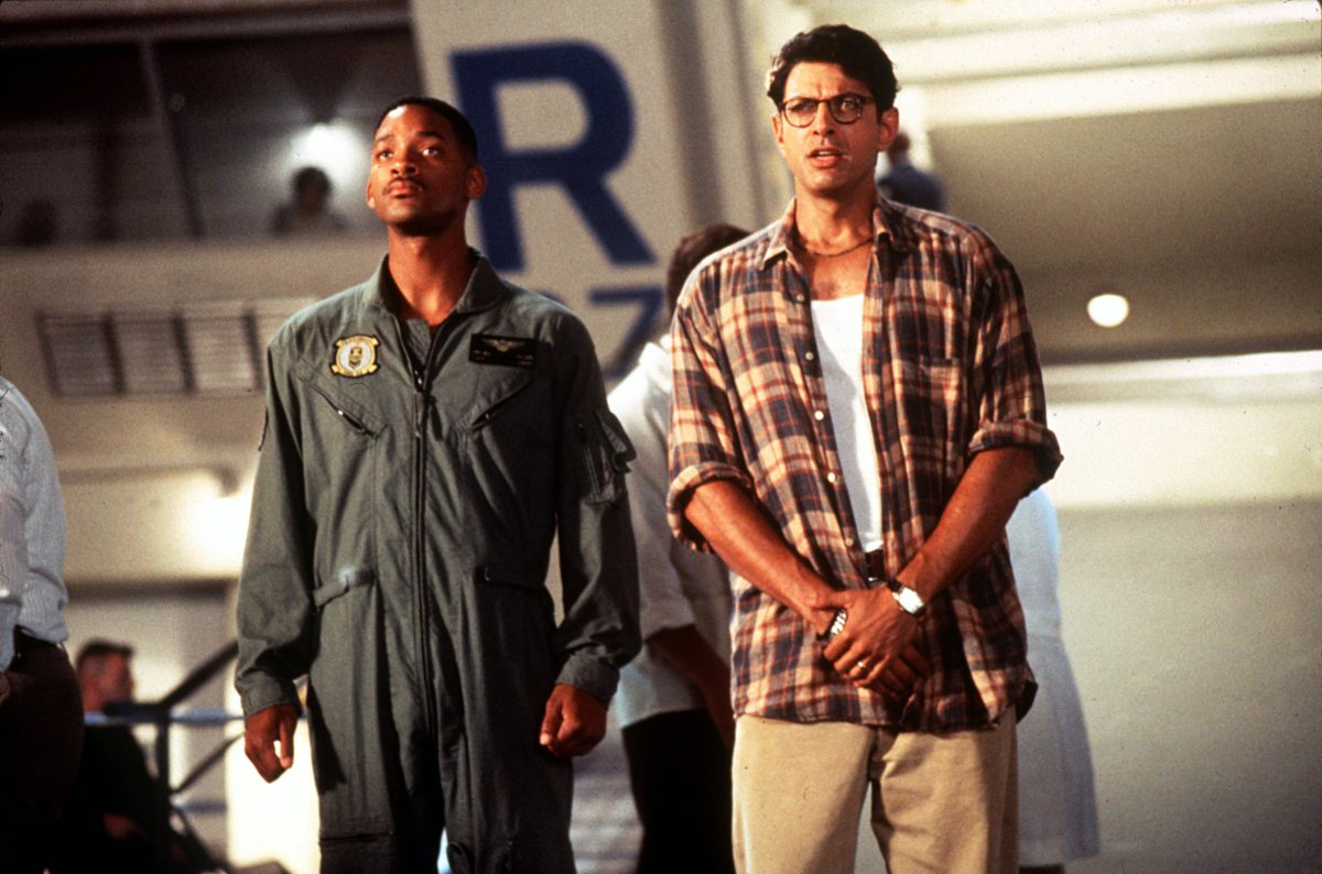 Air Force pilot Will Smith and nerd scientist Jeff Goldblum in Independence Day (1996)