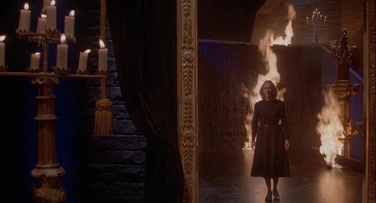 The emergence of Mater Tenebrarum (Veronica Lazar) in Inferno (1980)