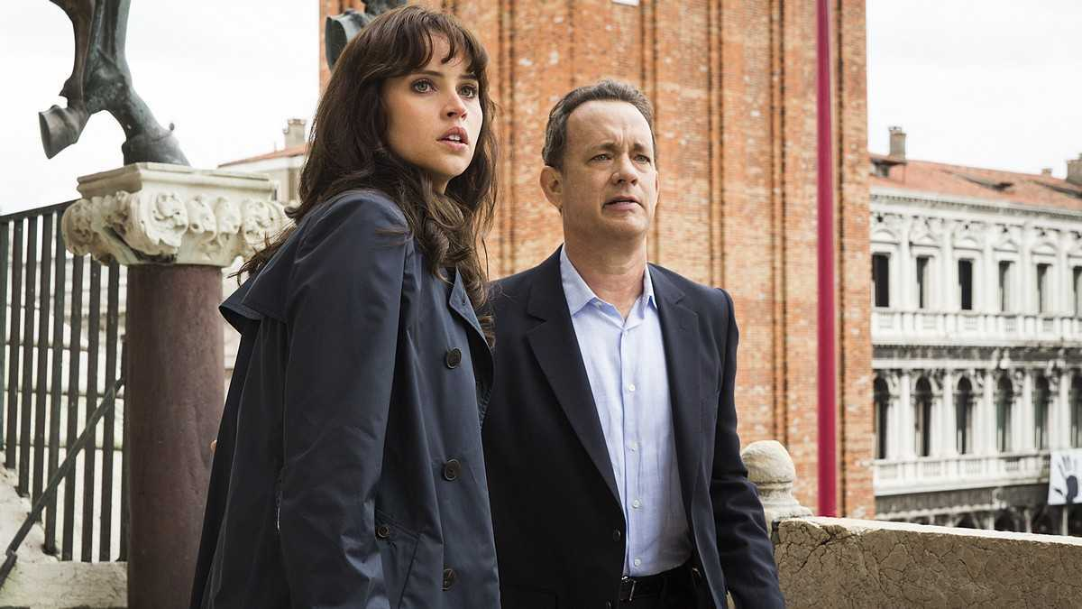 Tom Hanks and Felicity Jones in Inferno (2006)