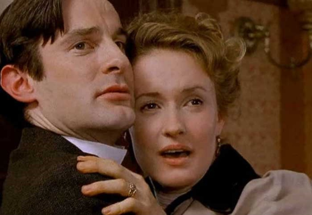 Tom Ward and Katy Carmichael in The Infinite Worlds of H.G. Wells (2001)
