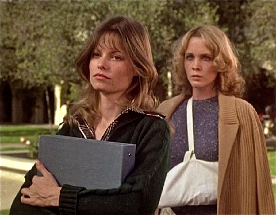 (l to r) Sarah (Kay Lenz) and Tisa Farrow in The Initiation of Sarah (1978)
