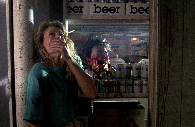 Elizabeth Cox finds a severed head in the refrigerator in Intruder (1989)