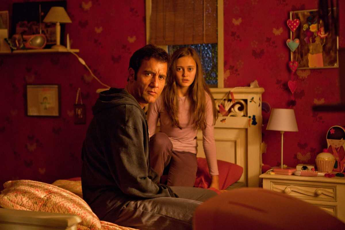 Clive Owen and daughter Ella Purnell in Intruders (2011)