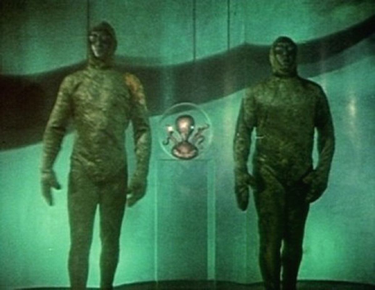 The Martian leader flanked by two soldiers in Invaders from Mars (1953)