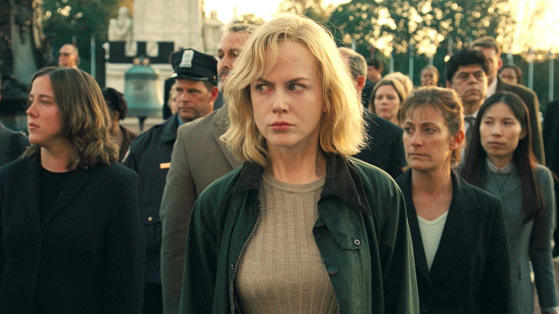 Nicole Kidman tries to blend in among the pod people in The Invasion (2007)