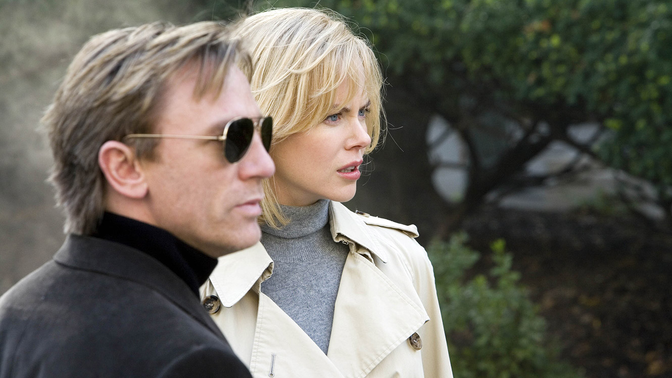 Daniel Craig and Nicole Kidman in The Invasion (2007)