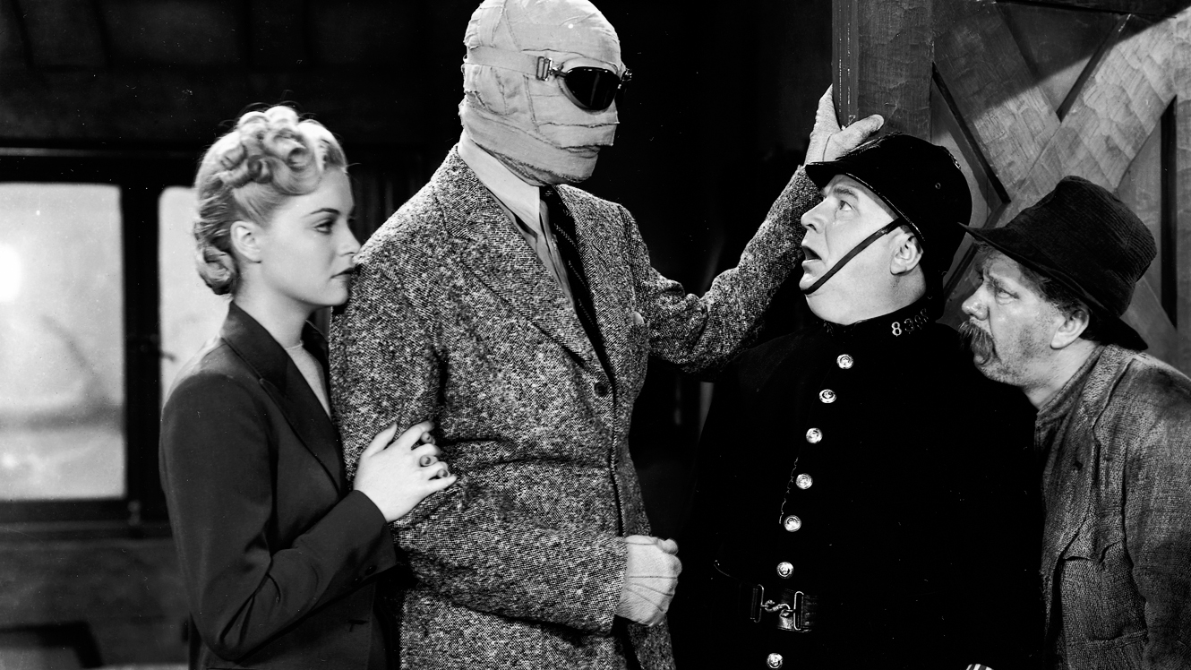 Vincent Price, Matthew Boulton, Nan Grey, and Forrester Harvey in The Invisible Man Returns (1940)