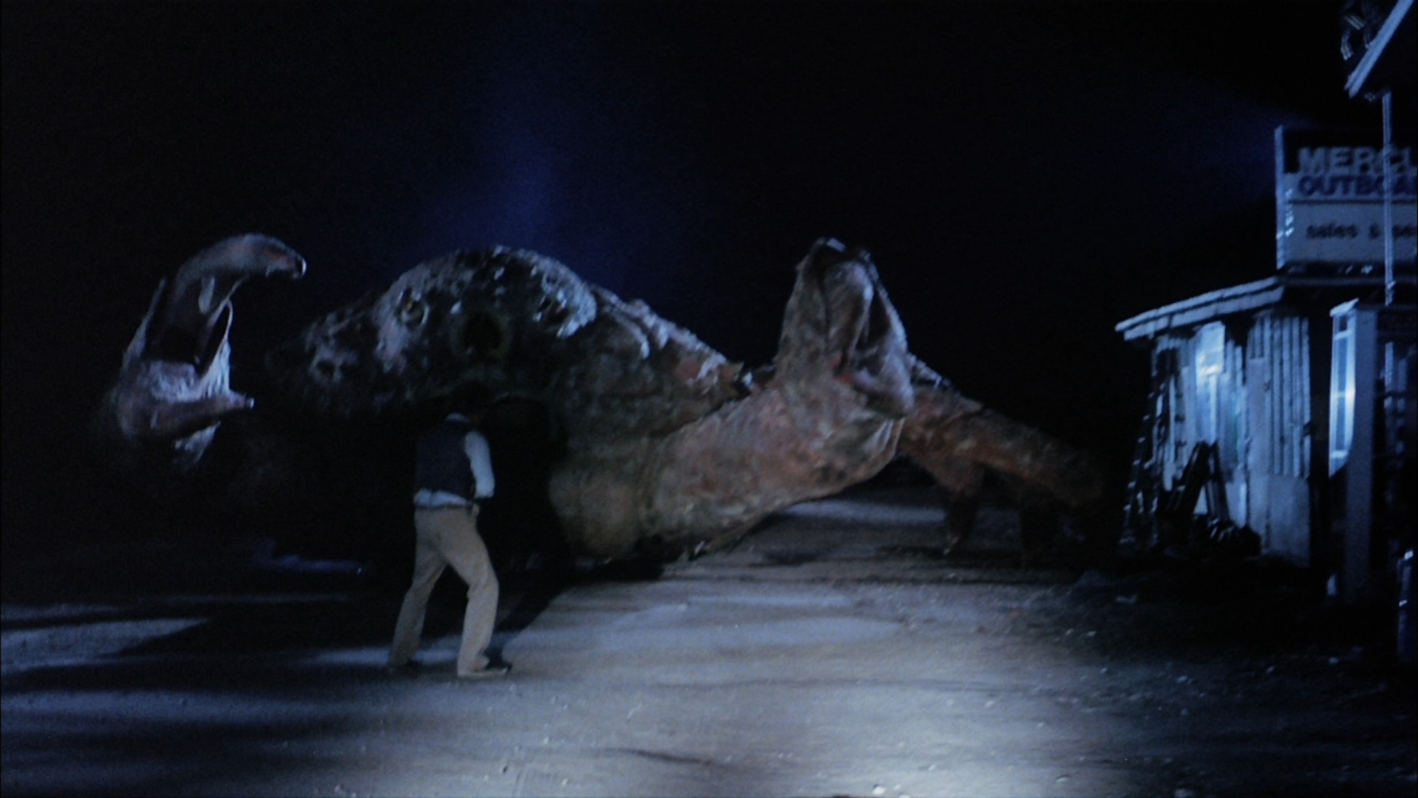 Robert Lansing faces a giant crab in Island Claws (1980)