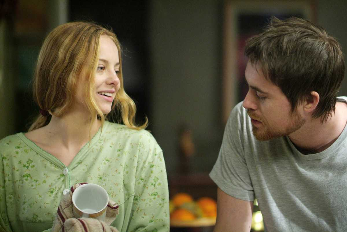 Bijou Phillips and James Murray as the prospective parents in It's Alive (2008)