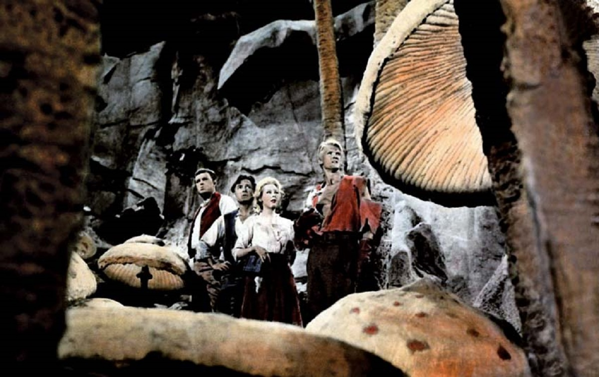 Pat Boone, Professor Lindenbrook (James Mason), Arlene Dahl and Pater Ronson in Journey to the Center of the Earth (1959)