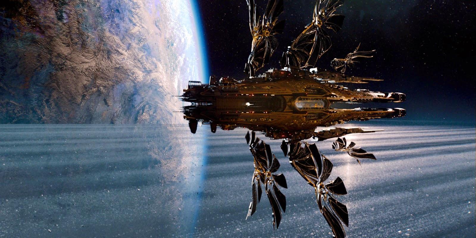 Spaceship approaching Jupiter in Jupiter Ascending (2015)