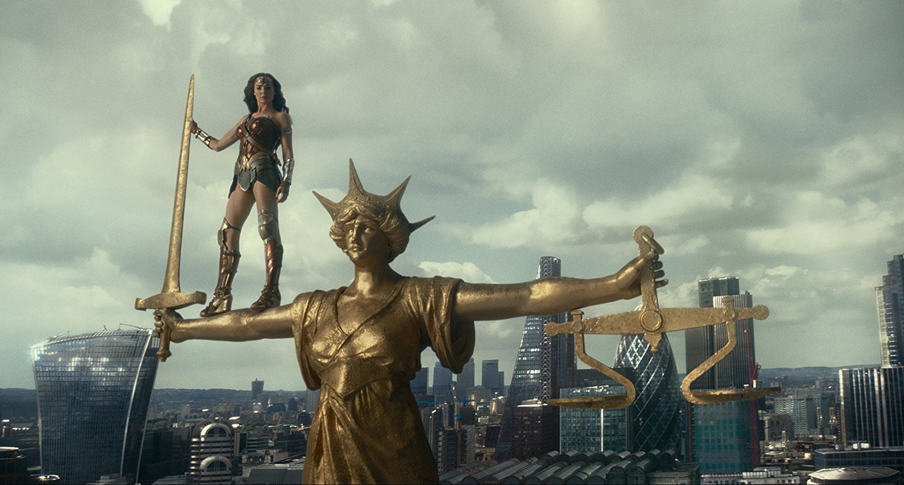 Wonder Woman (Gal Gadot) in Justice League (2017)