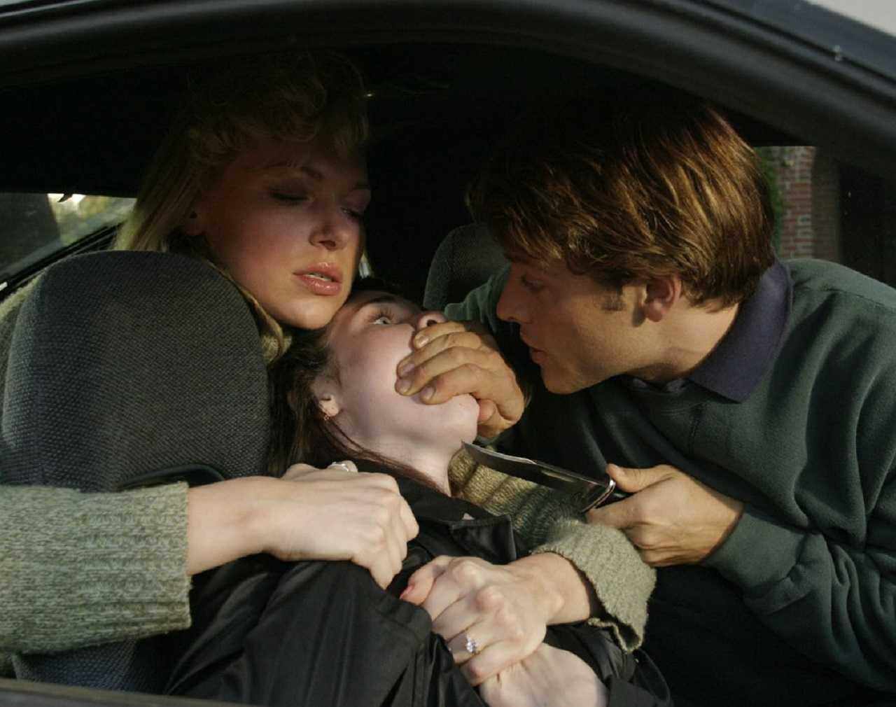 Karla Homolka (Laura Prepon) and Paul Bernardo (Misha Collins) abduct Sarah Foret in Karla (2006)
