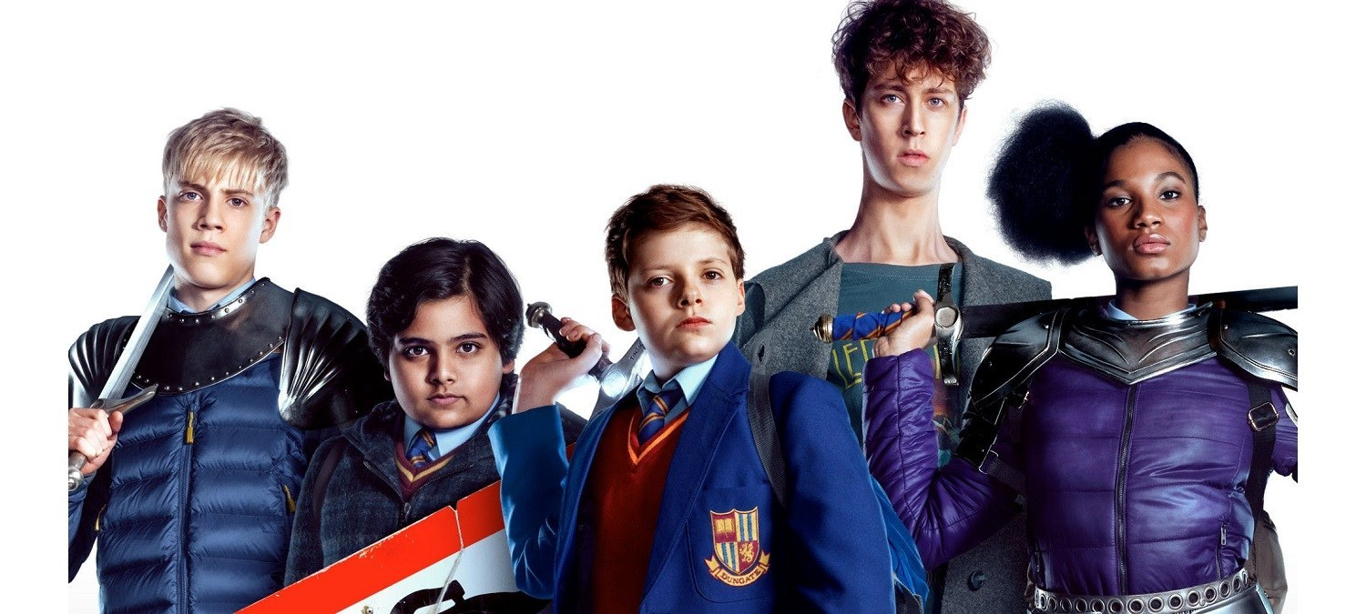 Lance (Tom Taylor), Bedders (Dean Chaumoo), Alex (Louis Ashbourne Serkis). Merlin (Angus Imrie) and Kaye (Rhianna Dorris) in The Kid Who Would Be King (2019)