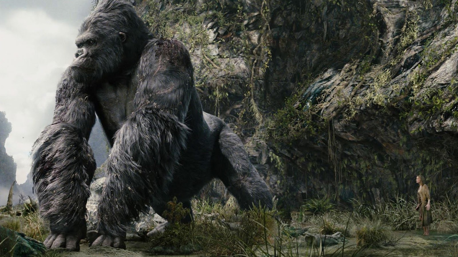 Kong and Brie Larson in Kong: Skull Island (2017)