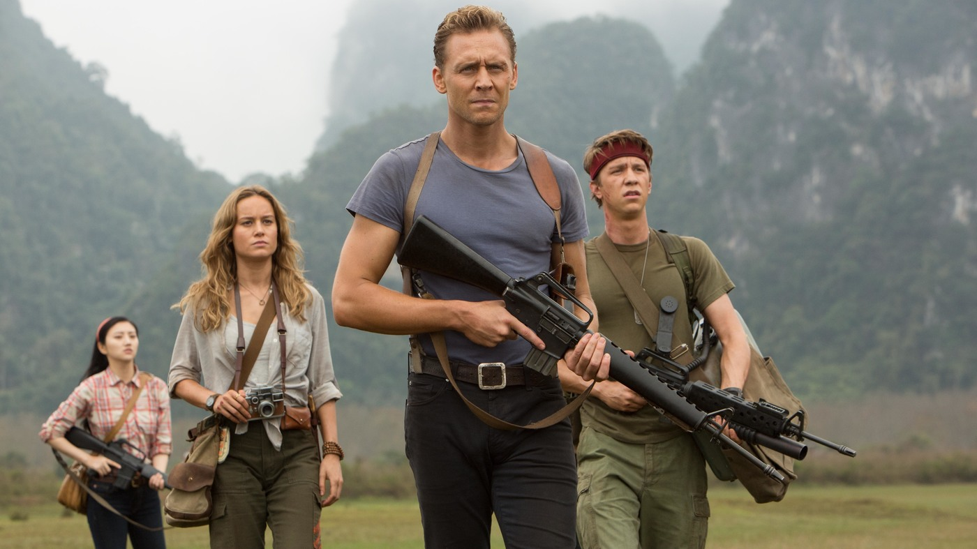 Expedition to the island - Jing Tian, war photographer Mason Weaver (Brie Larson), former soldier James Conrad (Tom Hiddleston) and Thomas Mann in Kong: Skull Island (2017)