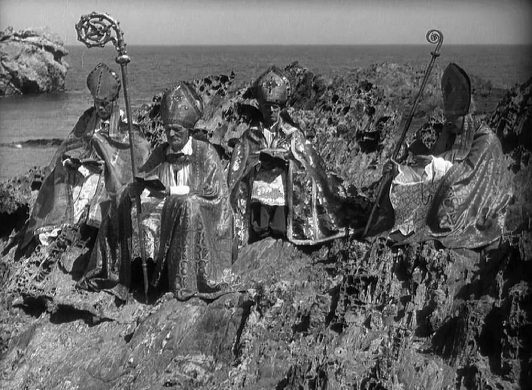 The arrival of the bishops in L'Age d'Or (1930)