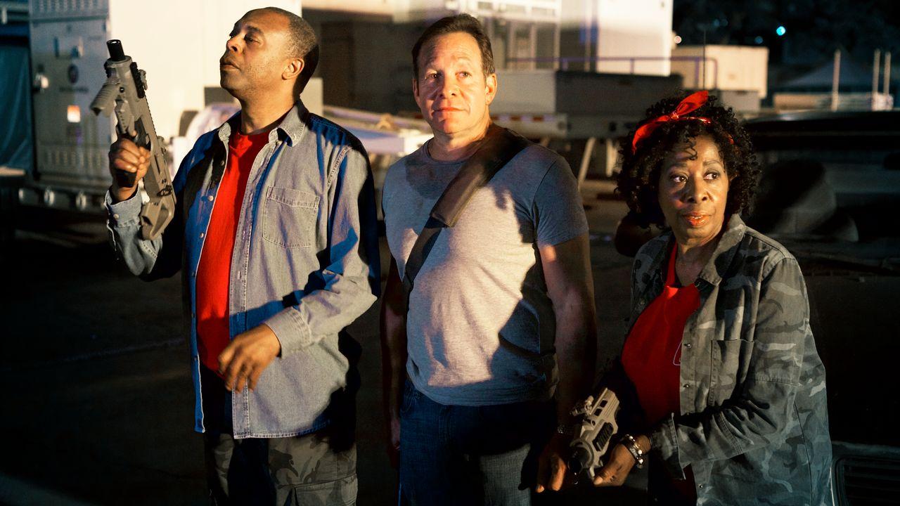 Steve Guttenberg, Michael Winslow, Marion Ramsey in Lavalantula (2015)