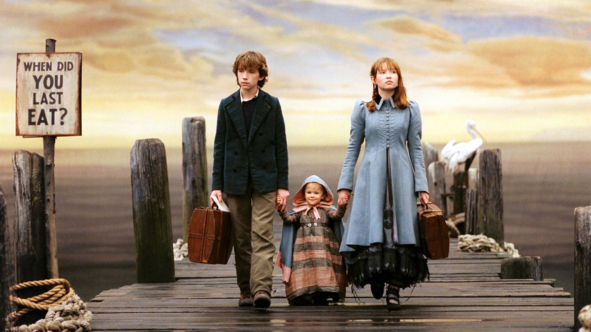 The Baudelaire children - (l to r) Klaus (Liam Aiken), baby Sunny (Kara & Shelby Hoffman) and Violet (Emily Browning) in Lemony Snicket's A Series of Unfortunate Events (2004)