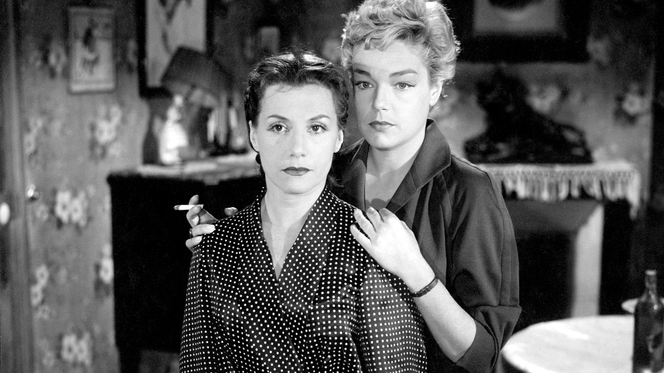 (l to r) Abused wife Vera Clouzot and her husband's mistress Simone Signoret in Les Diaboliques (1955)