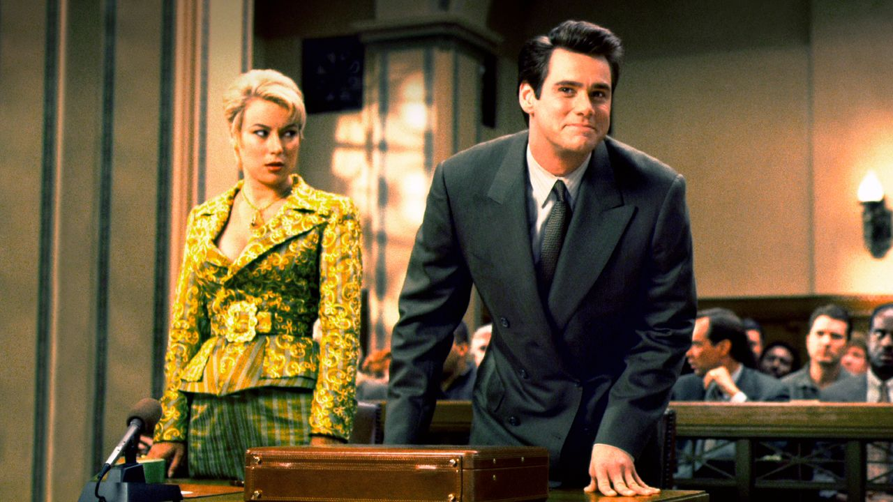 Lawyer Jim Carrey defends client Jennifer Tilly in court in Liar Liar (1997)