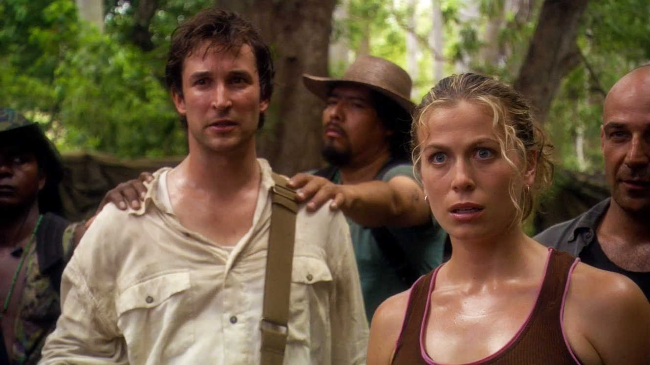 Flynn Carsen (Noah Wyle) and Nicole Noone (Sonya Walger) in the jungle in The Librarian: Quest for the Spear (2004)