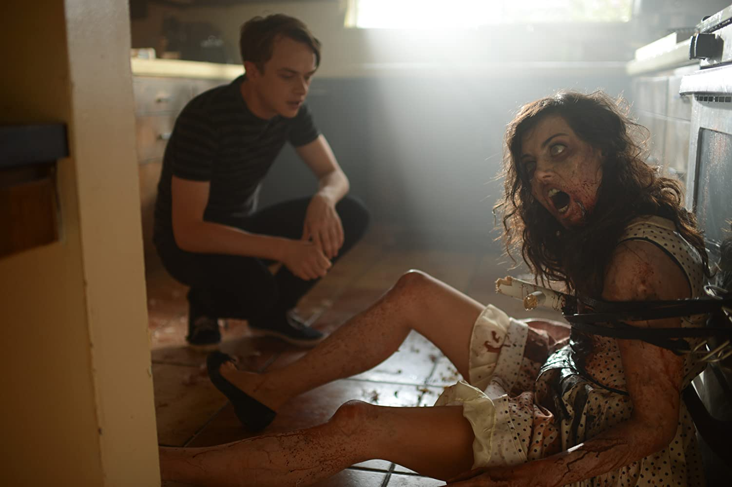 Dane DeHaan and the zombified Aubrey Plaza in Life After Beth (2014)