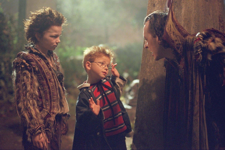 Rollo Weeks as Rudolph, Jonathan Lipnicki, Richard E. Grant in The Little Vampire (2000)
