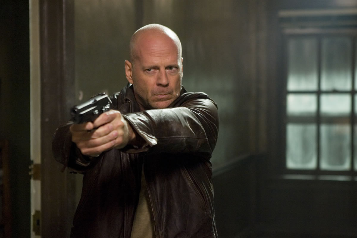 Bruce Willis back in action as John McClane in Live Free or Die Hard (2007)