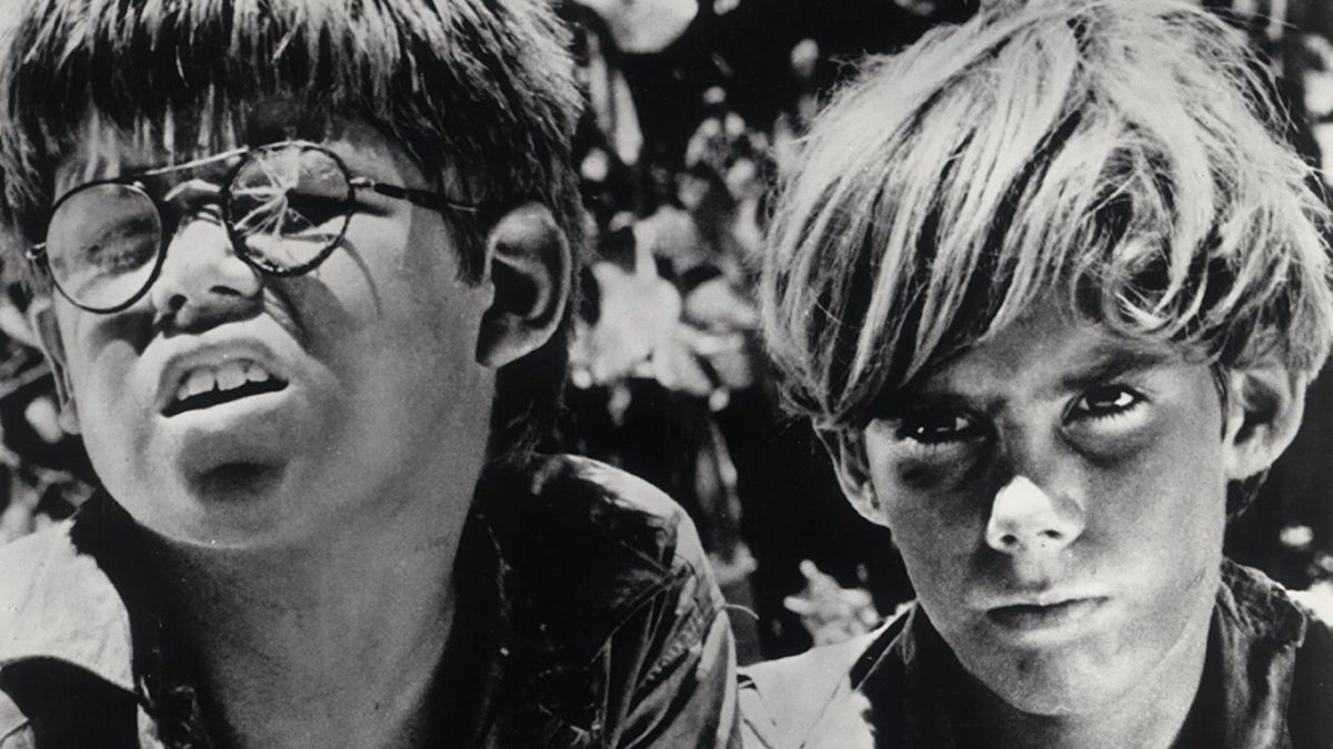 (l to r) Piggy (Hugh Edwards) and Ralph (James Aubrey) in Lord of the Flies (1963)