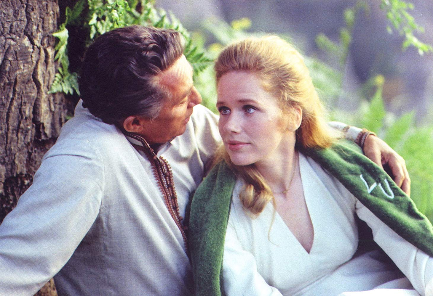 Romance between Peter Finch and Liv Ullman in Lost Horizon (1973)