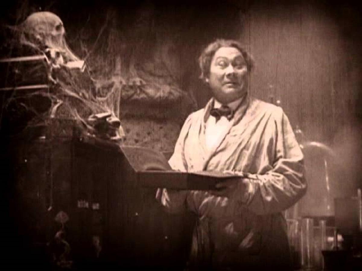 Paul Wegener as Oliver Haddo in The Magician (1926)