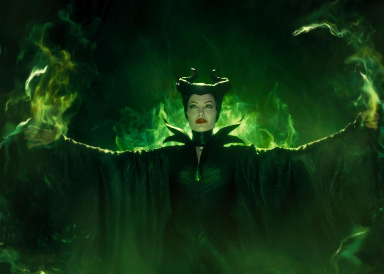 The return of Maleficent (Angelina Jolie) in Maleficent, Mistress of Evil (2019)