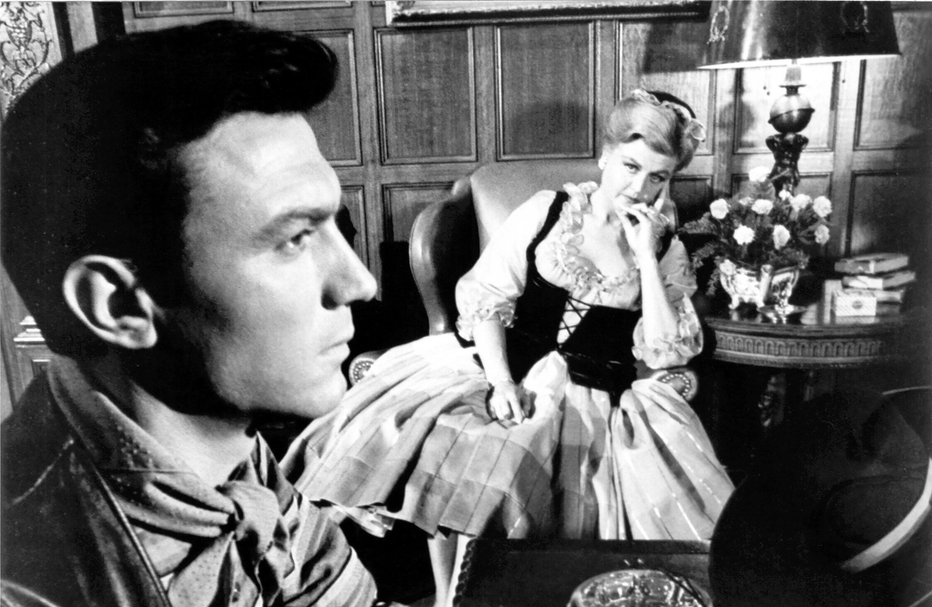 Sergeant Raymond Shaw (Laurence Harvey) and his mother Angela Lansbury in The Manchurian Candidate (1962)