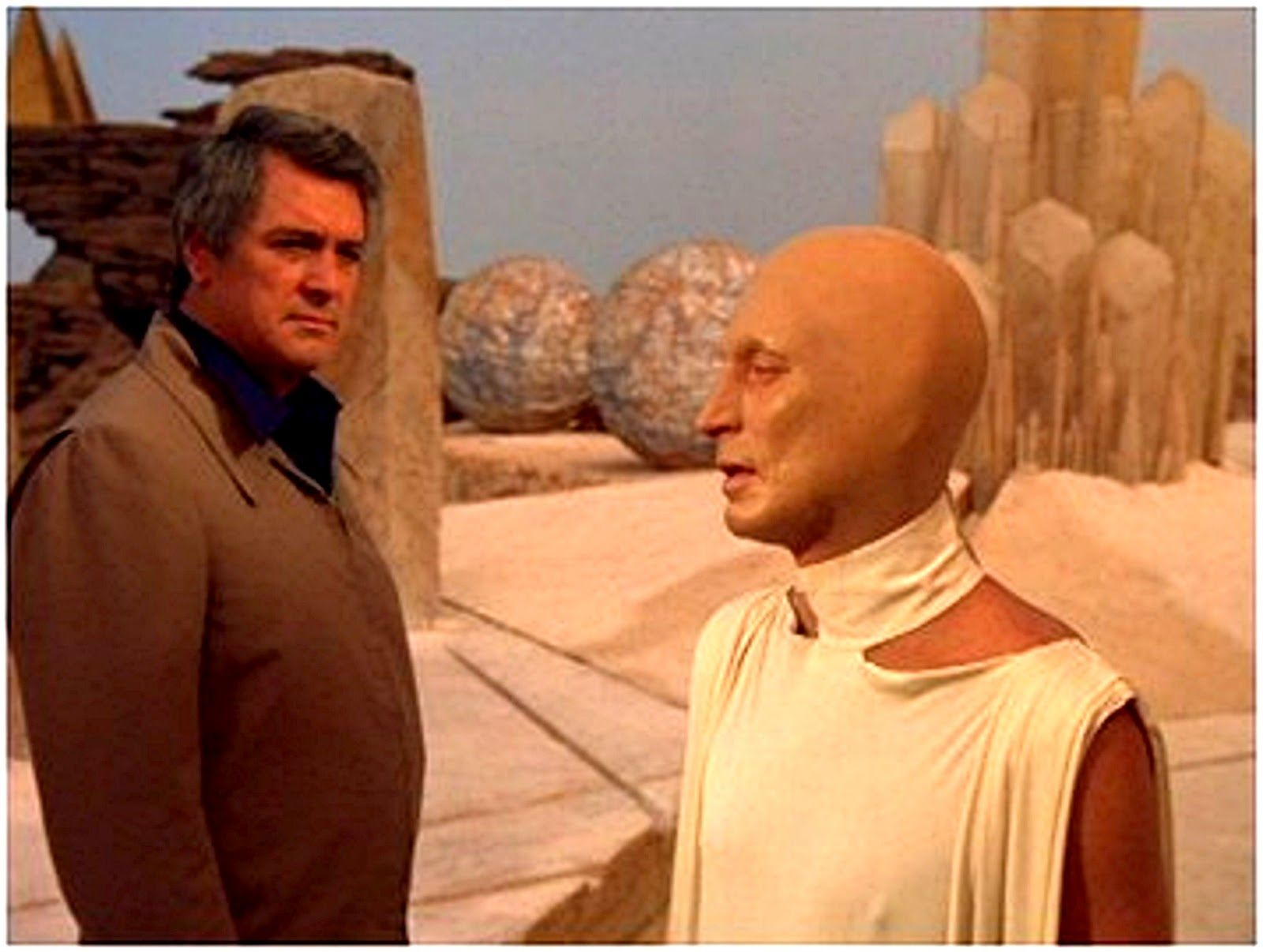 Rock Hudson meets with the last Martian in The Martian Chronicles (1980)