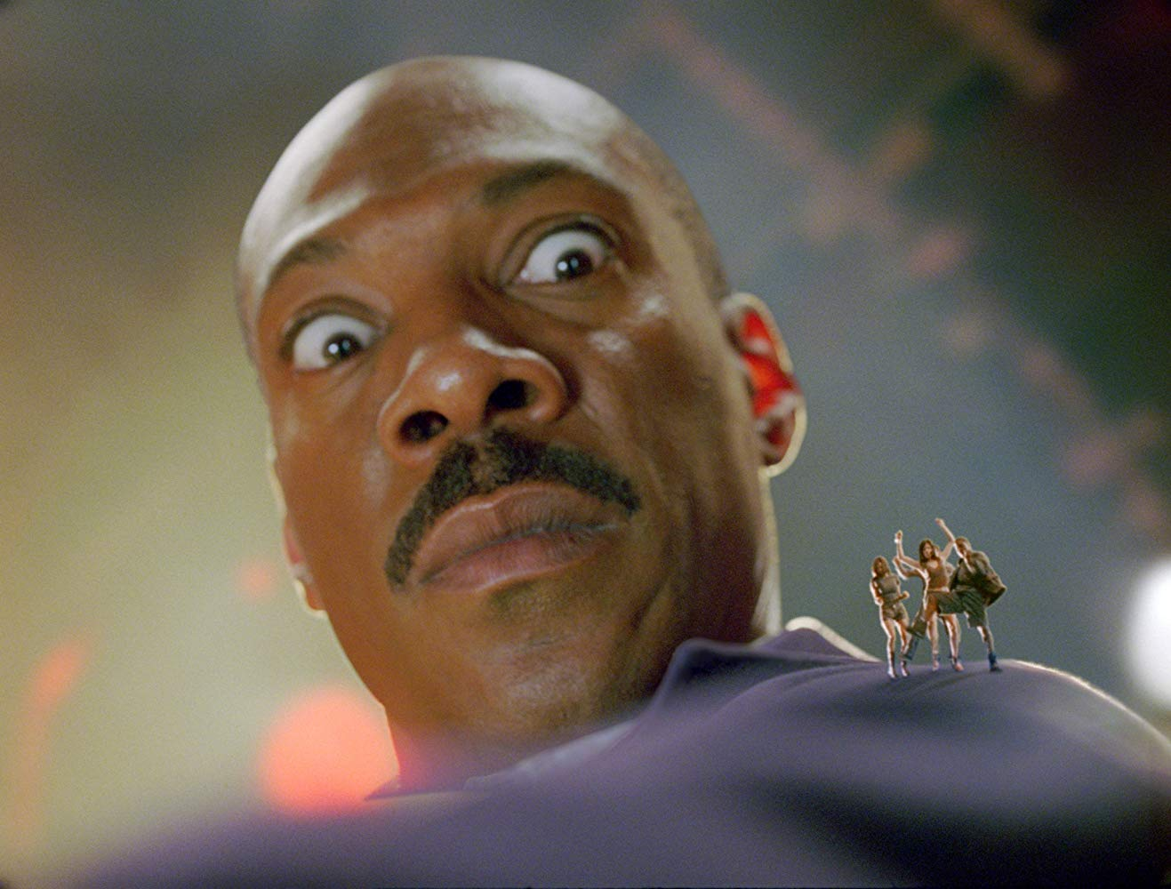 An alien spaceship built to look like Eddie Murphy along with its crew in Meet Dave (2008)