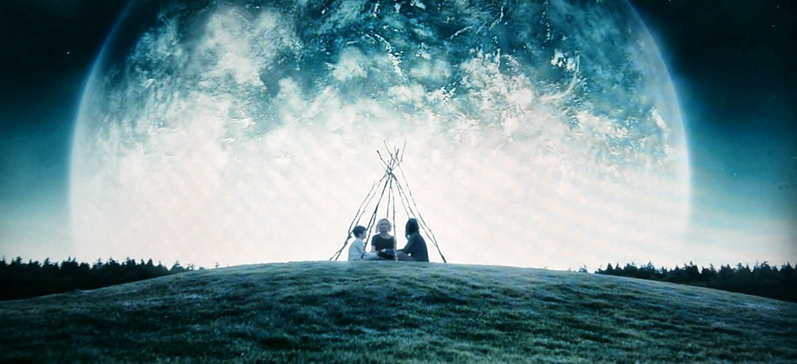 Awaiting the end with the arrival of Melancholia (2011)