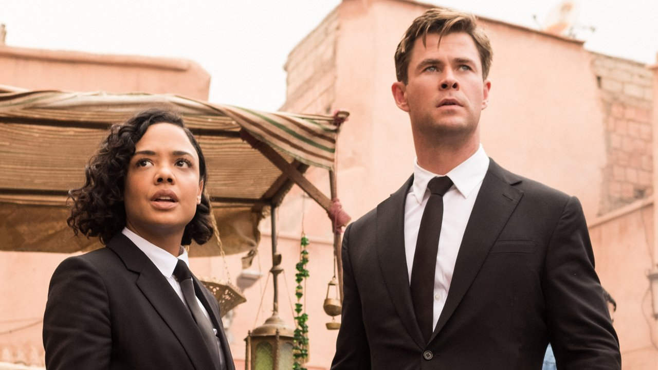 The new Men in Black - Agents M (Tessa Thompson) and H (Chris Hemsworth) in Men in Black: International (2019)