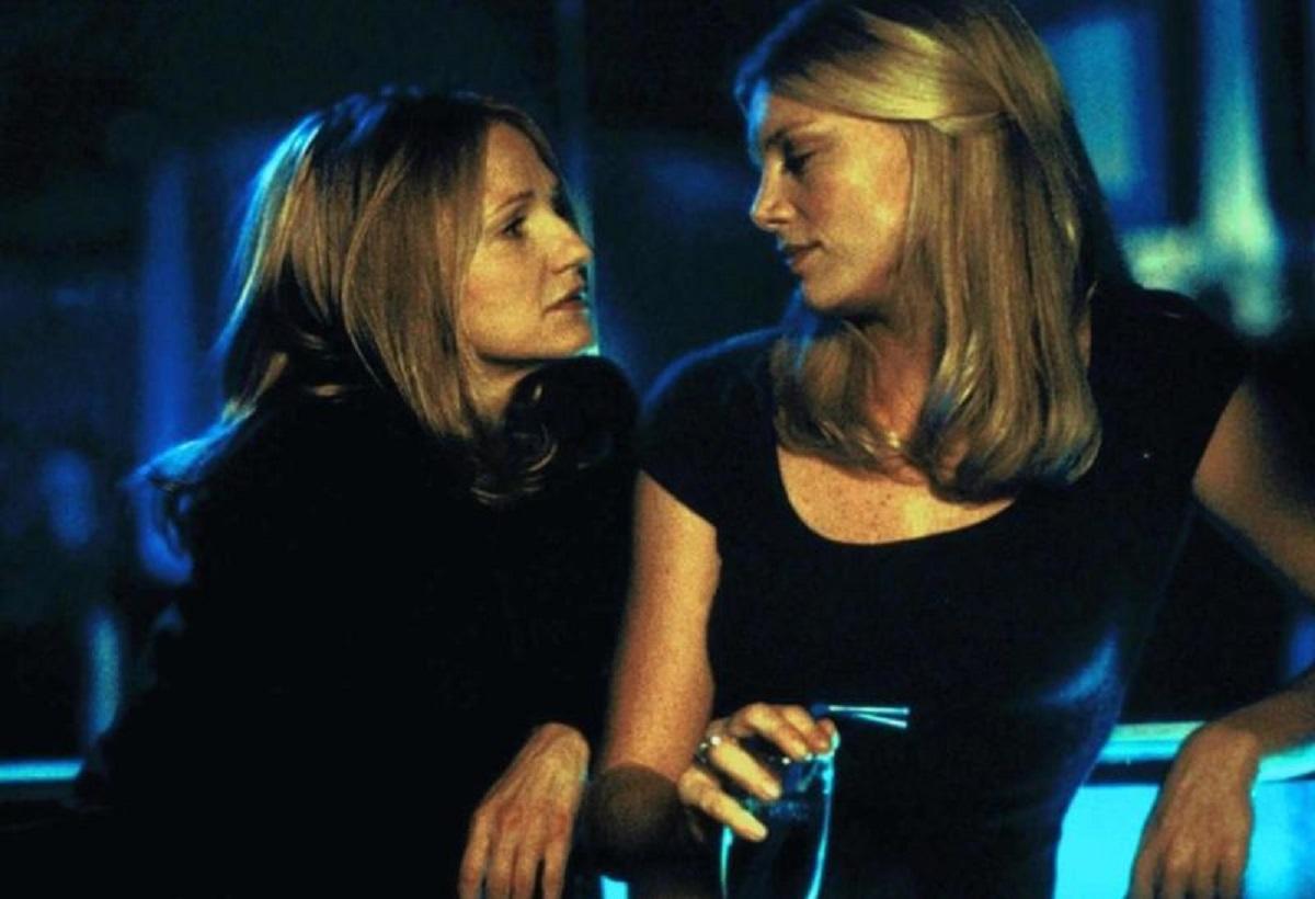 Ellen Barkin seduced by Peta Wilson in Mercy (2000)